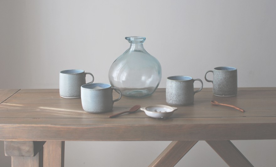 Porcelain Mugs with Matt White Sieve